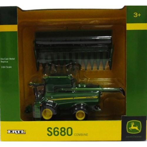 John Deere S680 Combine