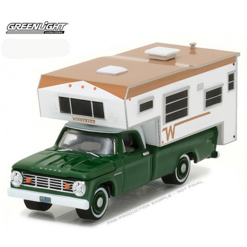Hobby Exclusive - 1967 Dodge D-100 & Winnebago Camper