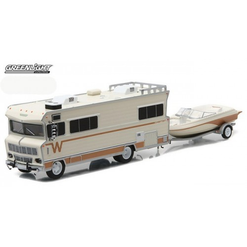 Greenlight Multi Car Diorama - Winnebago RV with Boat