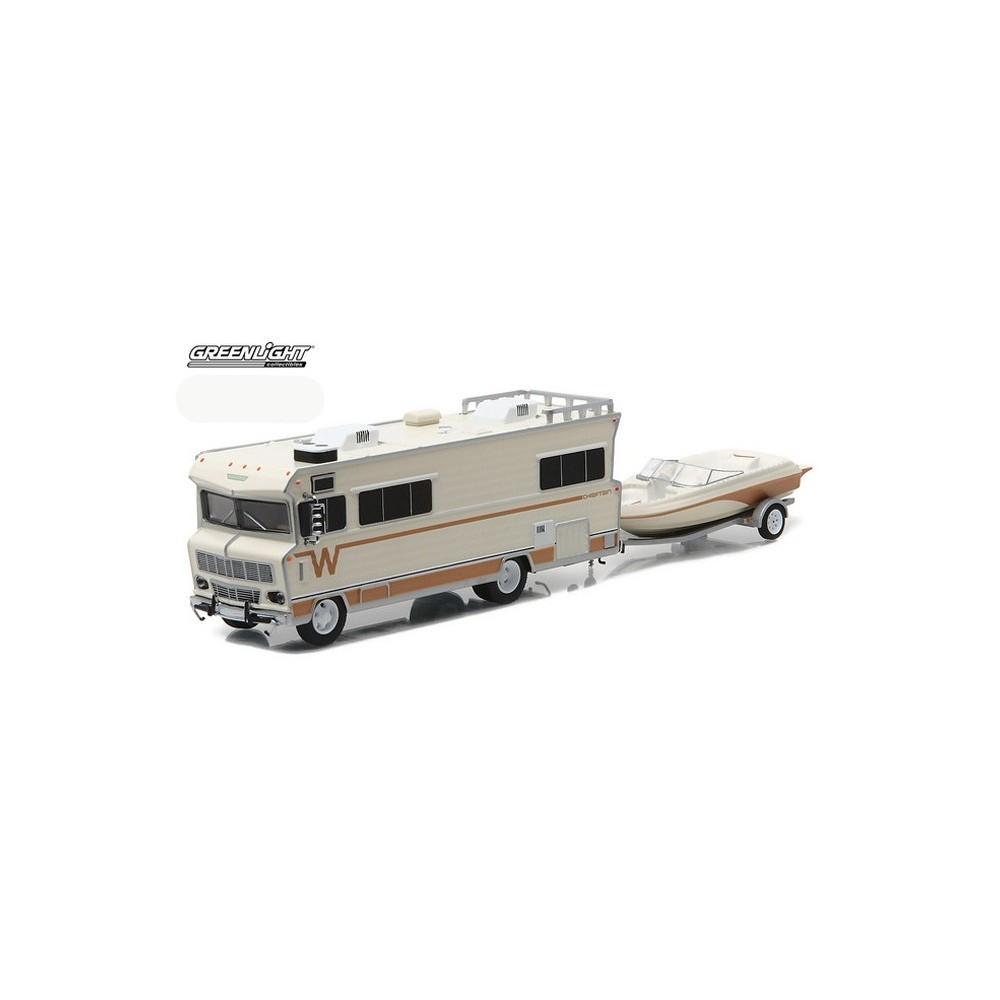 Greenlight Multi Car Diorama - Winnebago RV with Boat