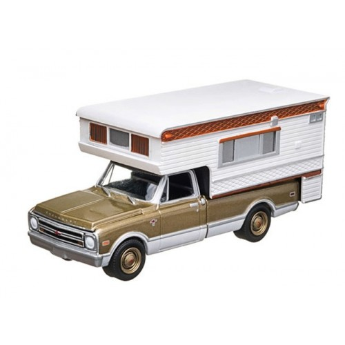 Hobby Exclusive - 1968 Chevrolet C10 Cheyenne with Large Camper