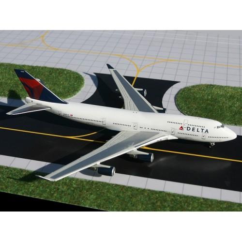 Gemini Jets Boeing 747-400 Delta Airlines