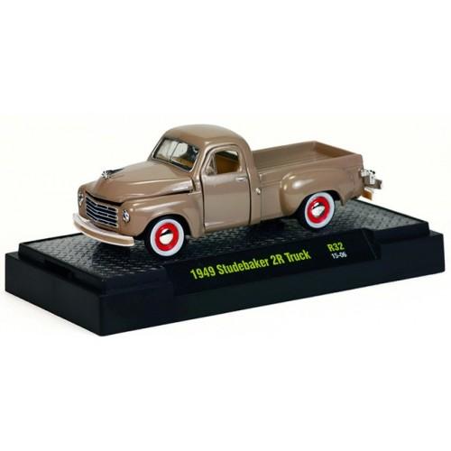 Auto-Trucks Release 32 - 1949 Studebaker 2R Truck