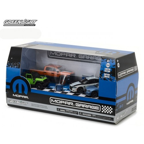 Multi-Car Dioramas - Mopar Garage