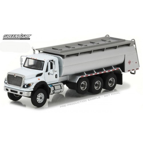 Super Duty Trucks Series 1 - International WorkStar Tanker Truck
