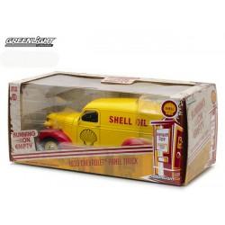 Running on Empty - 1939 Chevrolet Panel Truck Shell Oil
