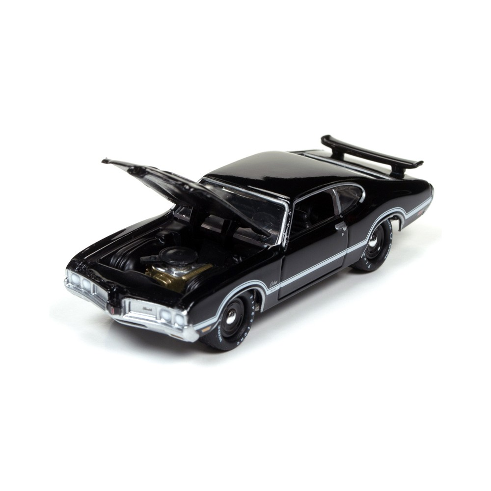 Johnny Lightning Muscle Cars USA Release 3A - 1970 Olds Cutlass S W-31