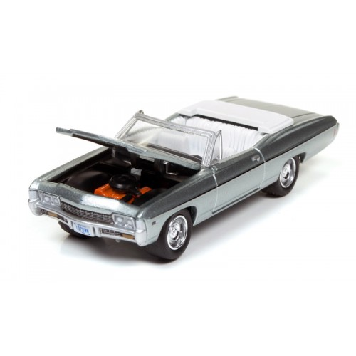 Johnny Lightning Muscle Cars U.S.A - 1968 Chevy Impala Convertible
