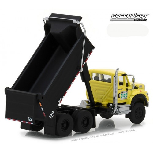 Super Duty Trucks Series 2 - International WorkStar Dump Truck