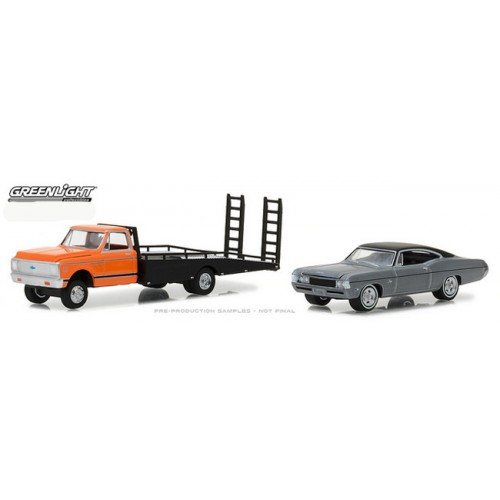 Greenlight HD Trucks Series 12 - 1972 Chevy C-30 Ramp Truck