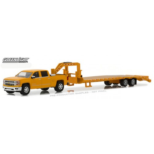 Greenlight Hitch and Tow Series 13 - 2015 Chevy Silverado and Gooseneck Trailer