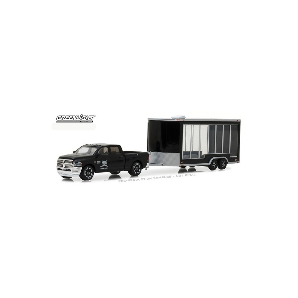 Greenlight Hitch and Tow Series 13 - 2016 RAM 2500 and Display Trailer