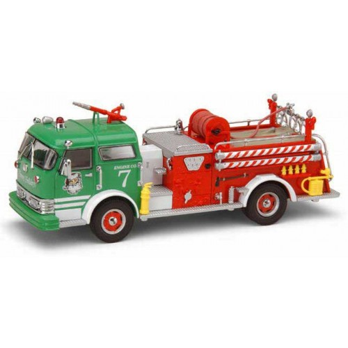 Code 3 Collectibles 2004 Christmas Mack C Pumper