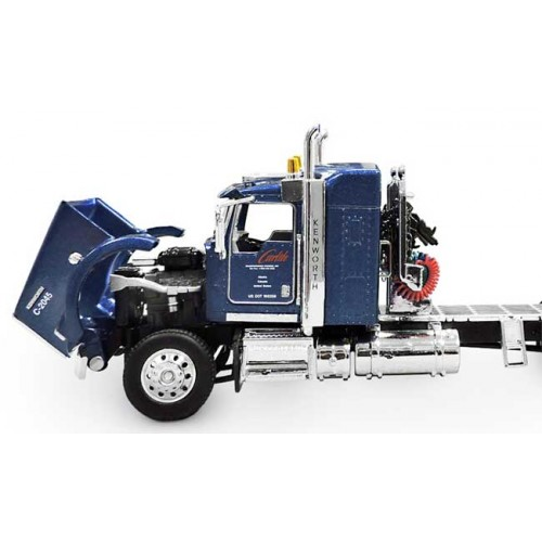 DCP Kenworth T800 with Utility Dry Goods Traile - Carlile
