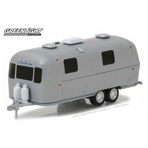Hitched Homes Series 4 - 1971 Airstream Double-Axle Land Yacht Safari