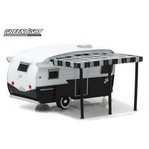 Hitched Homes Series 4 - Shasta Airflyte