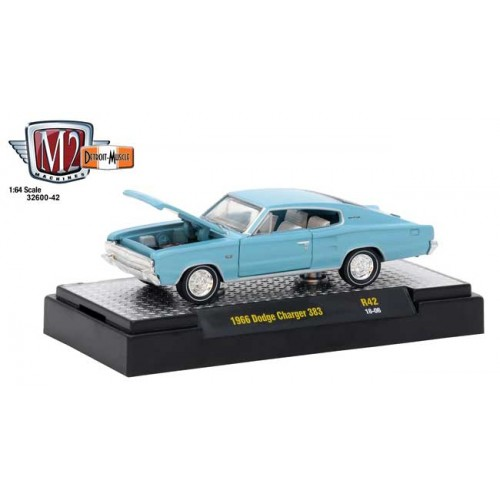 M2 Machines Detroit Muscle Release 42 - 1966 Dodge Charger 383