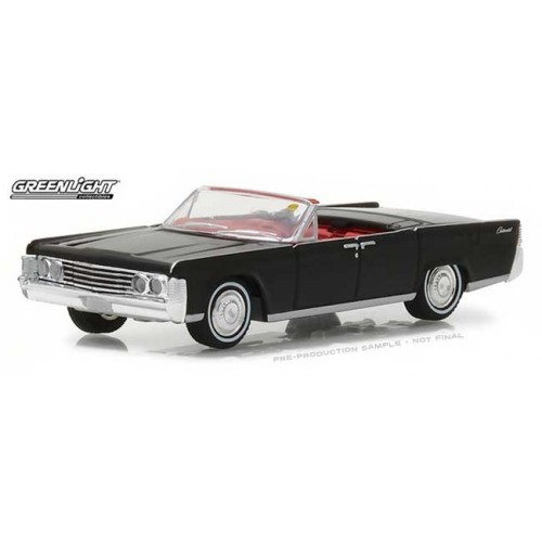 Greenlight Mecum Auctions  Series 2 - 1965 Lincoln Continental Convertible