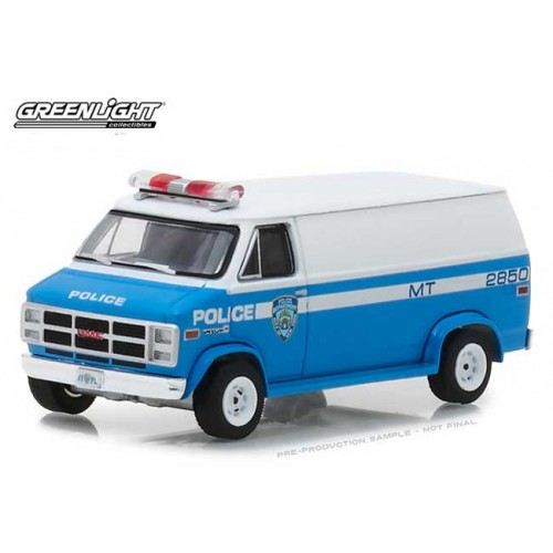 Greenlight Hot Pursuit Series 28 - 1987 GMC Vandura NYPD