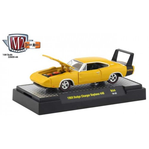 M2 Machines Detroit Muscle Release 44 - 1969 Dodge Charger Daytona 440
