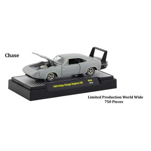 M2 Machines Detroit Muscle Release 44 - 1969 Dodge Charger Daytona 440 Chase Version