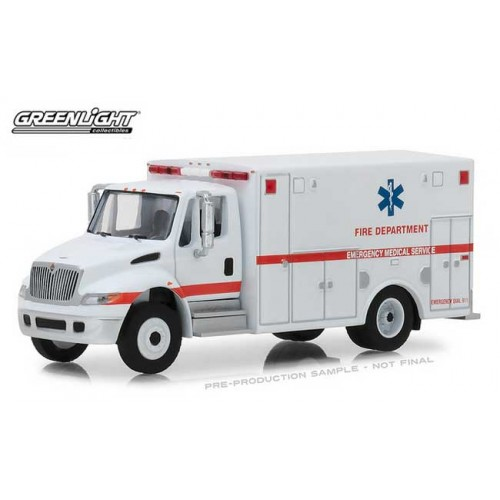 Greenlight HD Trucks Series 14 - 2013 International DuraStar Ambulance