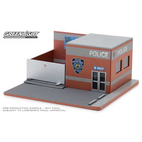 Greenlight Mechanic's Corner Series 4 - Central Command NYPD