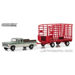 Greenlight Hitch and Tow Series 15 - 1969 Ford F-100 with Bale Throw Wagon