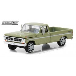 Greenlight Hobby Exclusive - 1971 Ford F-100 Long Bed Truck