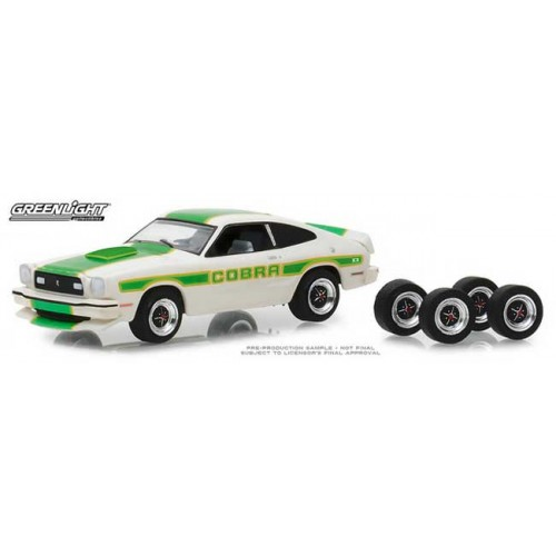 Greenlight The Hobby Shop Series 5 - 1978 Ford Mustang II Cobra II