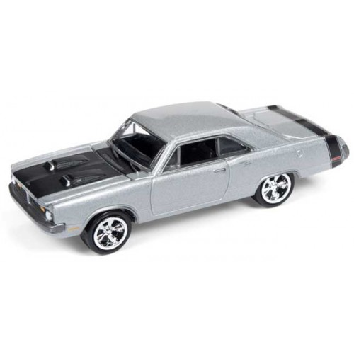 Johnny Lightning Muscle Cars U.S.A. - 1970 Dodge Dart Swinger