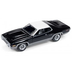 Johnny Lightning Muscle Cars U.S.A. - 1972 Plymouth Satellite Sebring Plus