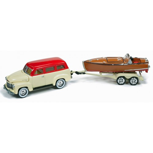 Johnny Lightning Hull and Haulers - 1950 Suburban with Boat