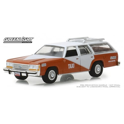 Greenlight Hobby Exclusive - 1988 Ford LTD Crown Victoria Wagon Taxi