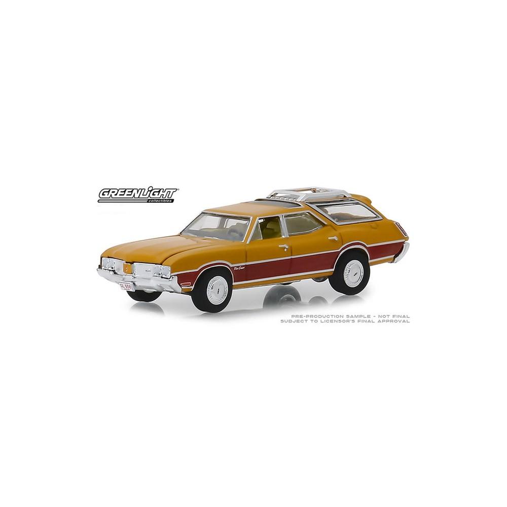 Greenlight Estate Wagons Series 3 - 1970 Oldsmobile Vista Cruiser