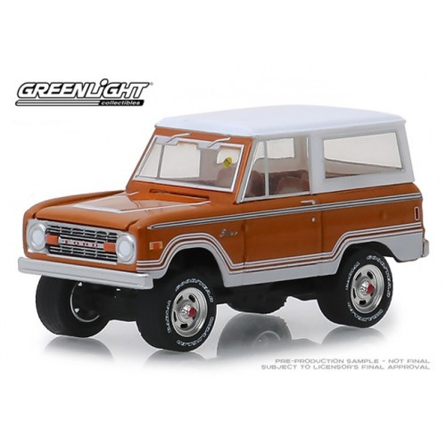 Greenlight Mecum Auctions Series 3 - 1977 Ford Bronco Ranger