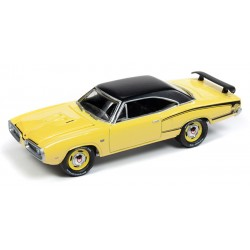 Johnny Lightning Classic Gold - 1970 Dodge Super Bee