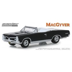 Greenlight Hollywood Series 24 - 1967 Pontiac GTO Convertible