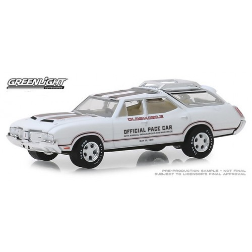 Greenlight Hobby Exclusive - 1970 Oldsmobile Vista Cruiser