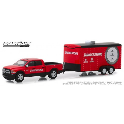 Greenlight Hitch and Tow Series 17 - 2017 RAM 2500 Big Horn and Enclose Car Hauler