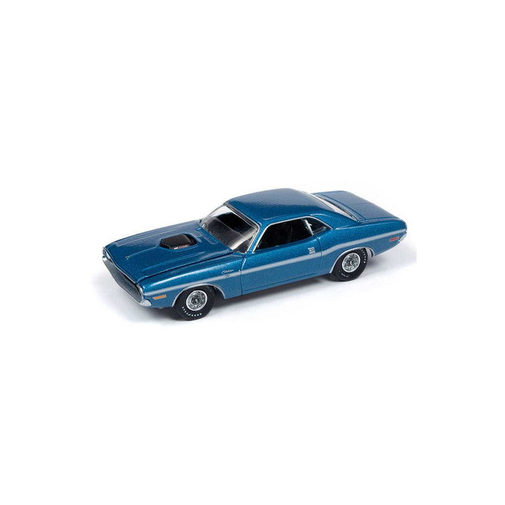 Auto World Premium 2018 Release 5B - 1970 Dodge Challenger R/T