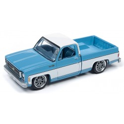 Auto World Premium 2019 Release 2B - 1973 Chevy Cheyenne Fleetside Truck