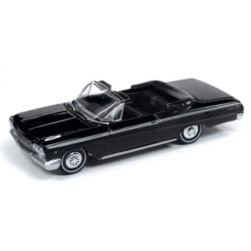 Auto World Premium 2019 Release 2B - 1962 Chevy Impala SS Convertible