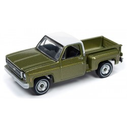 Auto World Premium 2019 Release 2B - 1973 Chevy Cheyenne Stepside Truck