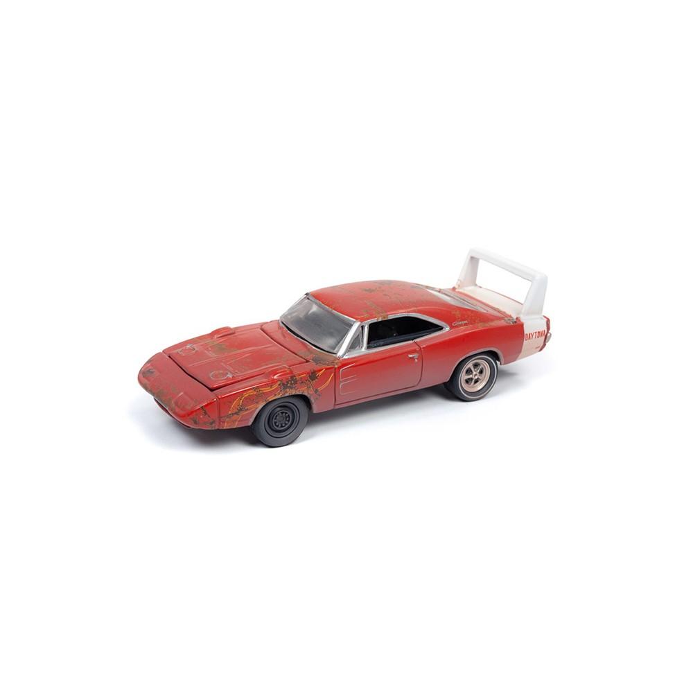 Johnny Lightning Muscle Cars - 1969 Dodge Daytona Barn Find