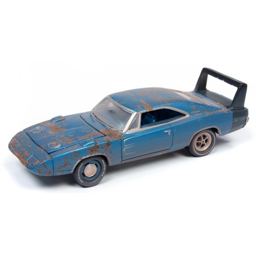 Johnny Lightning Muscle Cars - 1969 Dodge Daytona Barn Find