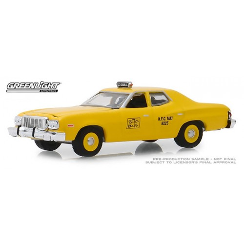 Greenlight Hobby Exclusive - 1975 Ford Torino NYC Taxi