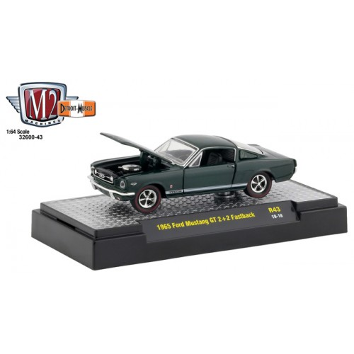 M2 Machines Detroit Muscle Release 43 - 1965 Ford Mustang GT Fastback