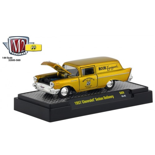 M2 Machines Mooneyes Liquid Gold - 1957 Chevy Sedan Delivery