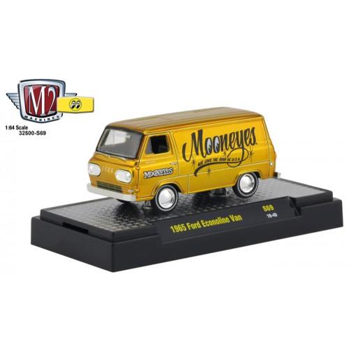 M2 Machines Mooneyes Liquid Gold - 1965 Ford Econoline Van